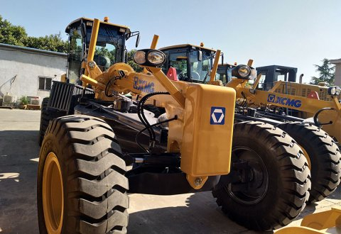 GR165 China graders 165hp XCMG motor grader For sale